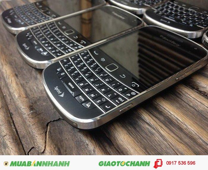 BlackBerry 9930, có bis, có camera, BH 6 tháng, mới 99%, nguyên zin3