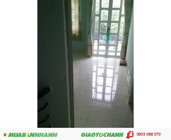 Bán gấp nhà 1 trệt 1 lầu, gần mặt tiền Nguyễn Văn Tạo. DT. 5x25. Giá 1.2tỷ