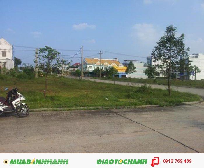 Bán lô góc ngay ngân hàng vietcombank giá 515tr, 275m2 Phú Mỹ, Tân Thành