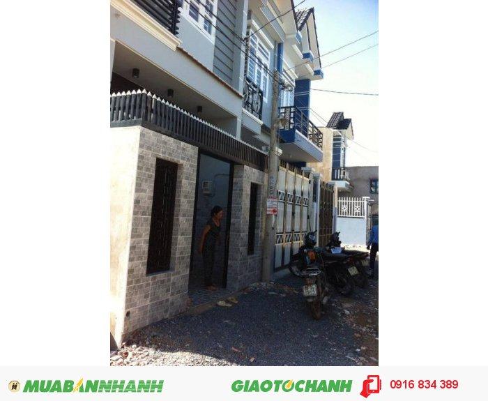 Nhà phố mới 1 trệt 1 lầu, 2 phòng ngủ, ngay cầu vượt ngã 4 ga, q12