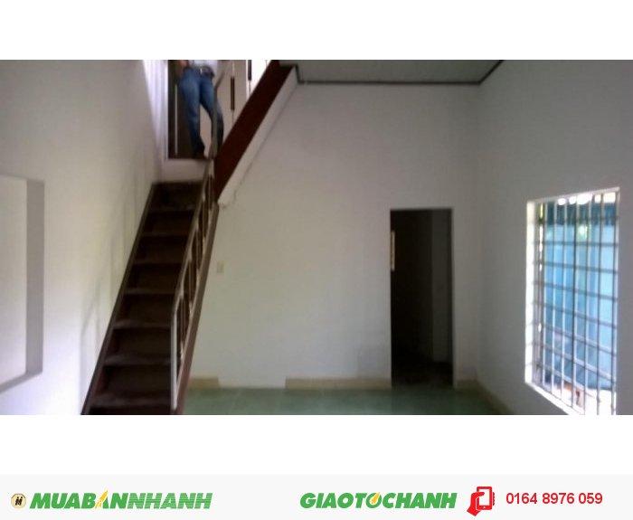 Cần bán nhà trong kiêt đường hoàng diệu DT 32m2 giá 550tr
