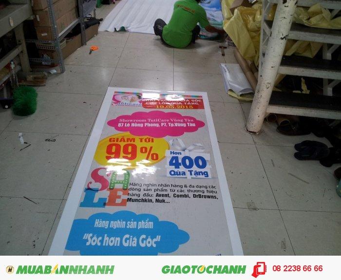 Gia công cán màng bóng cho poster quảng cáo tại In Kỹ Thuật Số