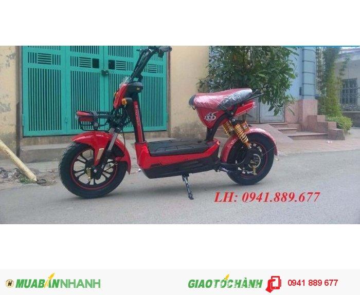Thông số kỹ thuật Xe đạp điện Giant m133s plus liên doanh: Chiều cao yên xe 750 mm. Động cơ500W. Tải trọng140kg. Trọng lượng 65kg. Vận tốc40km.Quãng đường 55km/lần sạc. Ắc quy 4 ắc quy - 20Ah. Giảm xóc có giảm xóc