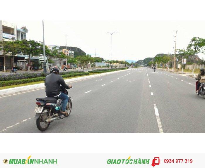 Cần bán lô đất mặt tiền đường 14,5m, giá rẽ, cách cầu Nguyến Tri Phương khoảng 2,5km.