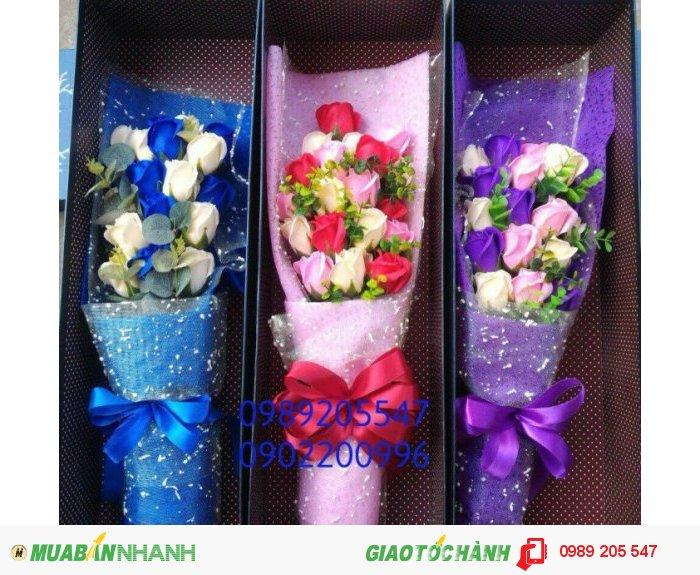 Hộp hoa sáp cao cấp 11 bông1
