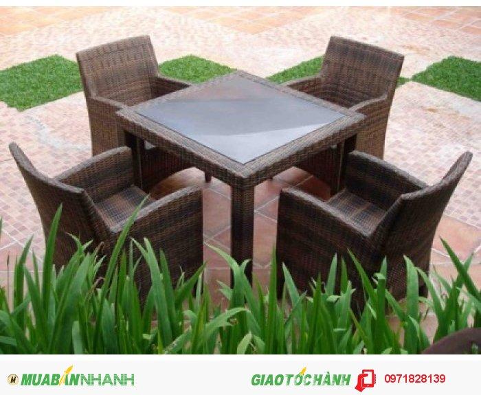 Bộ ghế diana mang một phong cách đẹp,sang trọng , phù hợp cho quán cafe cao cấp ,nhà hàng , khu resort...  Sản phẩm bảo hành 2 năm bao phí vận chuyển.2