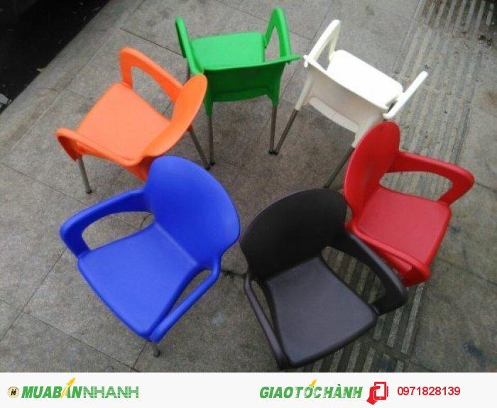Dòng ghế nhựa đúc thì chất liệu ghế bền ,đẹp mang những màu sắc phù hợp với từng phong cách khác nhau   Ghế bảo hành 2 năm (trong vòng 2 năm ghế có vấn đề bao đổi trả hoàn toàn miễn phí)3