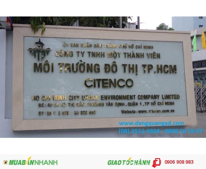 Làm bảng hiệu công ty chữ nổi inox mặt đá hoa cương tại TP HCM