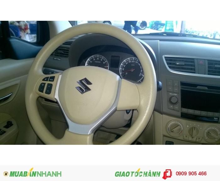 Bán Suzuki Ertiga Special 2016, màu trắng, xe nhập, 580tr