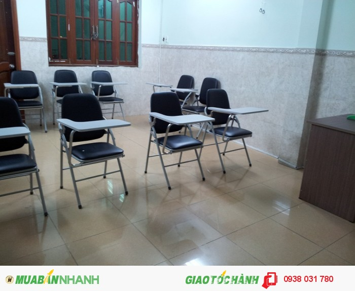 Phòng học rộng rãi, thoáng mát, trang thiết bị học tập hiện đại tạo điều kiện học tập tốt nhất cho việc học giao tiếp Anh ngữ.