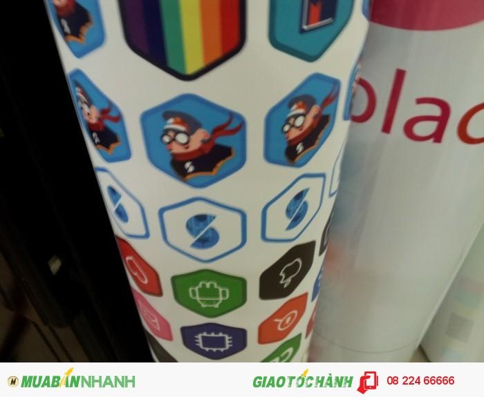 In sticker decal sữa đục logo thương hiệu