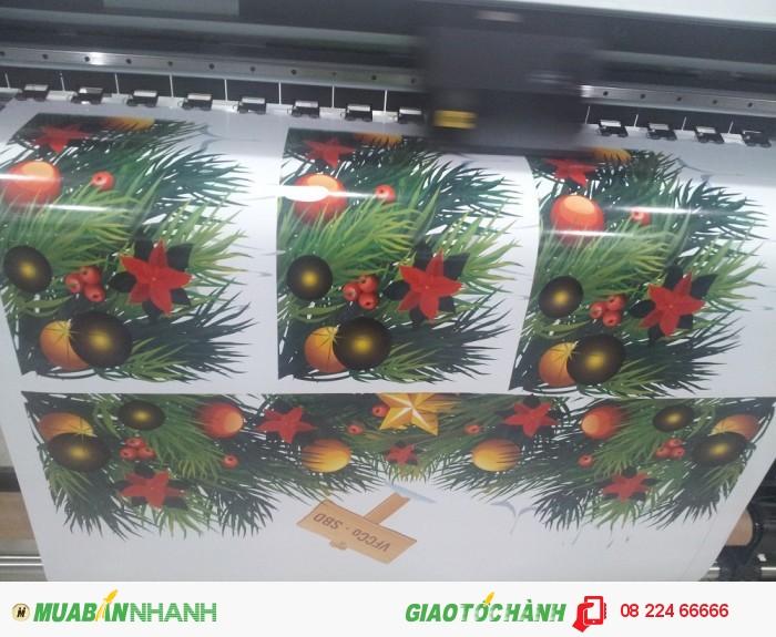 In decal trong dán kính trang trí dịp lễ Giáng Sinh - In decal trong mực dầu khổ lớn...
