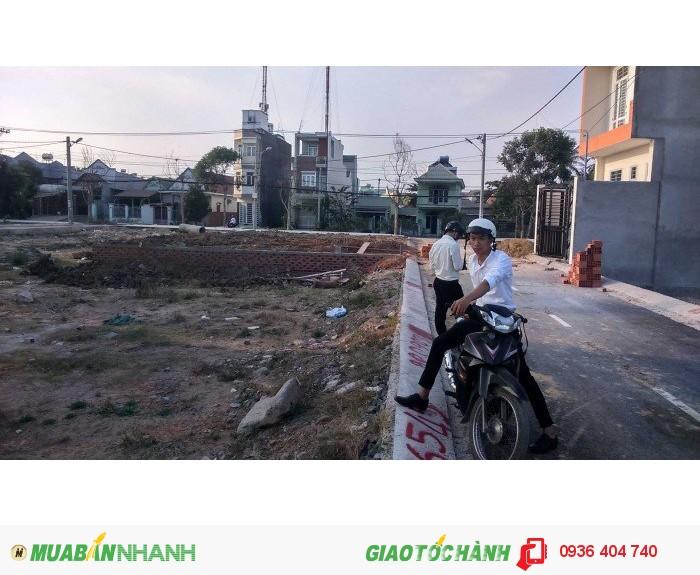 Đất thổ cư sổ hồng riêng, gần UBND phường Long Trường, giá chỉ 700 tr/nền