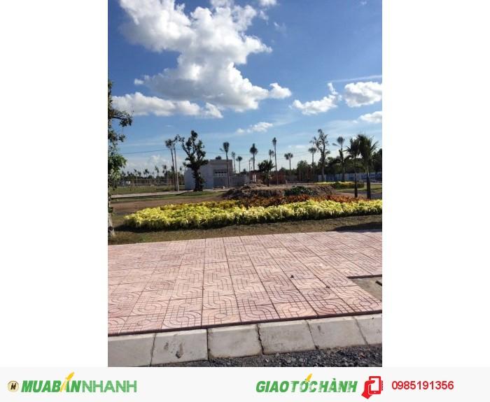 Đất chợ góc hai mặt tiền SHR 6x20 đường thảm nhựa 15m.