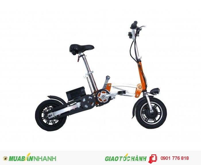 Xe đạp điện gấp ECOGO Biz mang kiểu dáng hiện đại, chắc chắn, độc đáo, thân thiện môi trường sinh thái, giúp người dùng tiết kiệm rất nhiều chi phí như chi phí xăng dầu, chi phí bảo dưỡng, thuế trước bạ, chi phí đăng ký, nhiên liệu, phí cầu đường, trông giữ  xe… Xe đạp điện gấp BIZ Vận hành êm ái, điều khiển bằng chế độ tay ga quen thuộc. . Xe đạp điện gấp mang tính chủ động và thuận tiện rất cao, phù hợp với điều kiện giao thông tĩnh đang rất phức tạp của Việt Nam khi không phụ thuộc vào trạm nhiên liệu, thời gian trông giữ xe, khi gặp sự cố thì có thể khắc phục nhanh và đơn giản thậm chí có thể gấp gọn với thao tác dễ đàng và  nhanh chóng chỉ 5 giây để mang đi.  Khung xe  Hợp kim nhôm 6061-T6 sơn tĩnh điện Kích cỡ mở  126 x 57 x 90 cm Kích cỡ gấp  66 x 30 x 80 cm Màu sắc  Đen, bạc, cam, xanh, đỏ Phuộc  CÓ Phuộc trước  Hợp kim nhôm 6061-T6 cứng Phuộc sau  Hợp kim nhôm 6061-T6 cứng Yên  Yên da mềm, có lỗ thoáng Giàn đầu  CÓ Phốt tăng  Hợp kim nhôm cao cấp Ghi đông  Hợp kim nhôm cao cấp, gấp xuôi xuống Chén cổ  Hợp kim nhôm cao cấp Bộ truyền động  CÓ Bộ đùi đĩa  Hợp kim nhôm MER 170 Xích, líp xe  SHIMANO KMC Hệ thống bánh  CÓ Vành xe  Vành lazang sơn tĩnh điện, vành nhôm cao cấp 12 ½ x 2 ¼ Săm lốp  KENDA Moay ơ  Moay ơ đúc liền vành dùng vòng bạc hoặc moay ơ rời hợp kim nhôm hoặc motor điện Thông số lốp  12 INCHES Phanh  CÓ Phanh trước  Phanh vành C.STAR / Phanh đĩa YUS Phanh sau  Phanh servo ( phanh bát ) / Phanh đĩa YUS Tay phanh  Tay phanh điện DE1 Hệ thống điện  CÓ Nguồn nuôi  Pin lithium cao cấp có đèn báo dung lượng pin Điện áp  36V Dung lượng  7Ah Motor  BLDC Công suất  200 W Loại xe  ĐIỆN GẤP Vận tốc tối đa  25 km/h Tải trọng tối đa  100KG Trọng lượng xe  17,2KG Quãng đường đi được  45KM