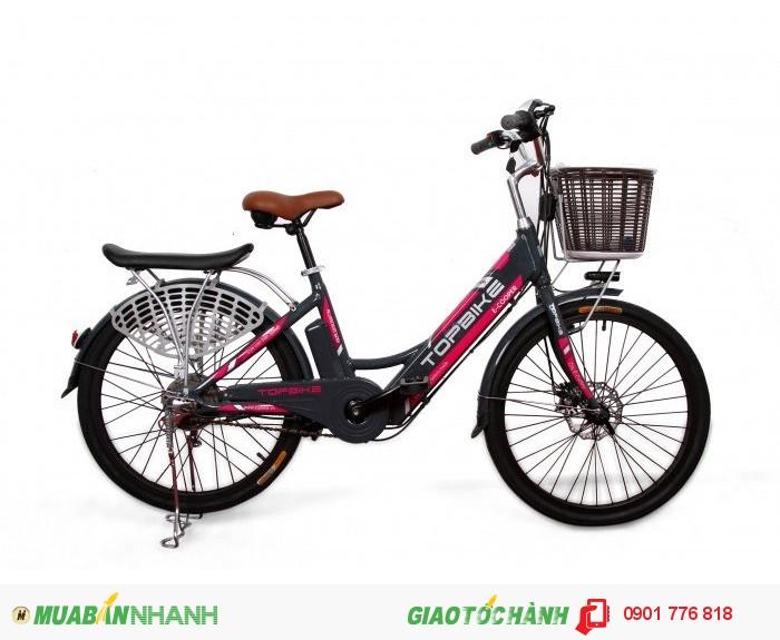 Sản phẩm E-COOPER ( Green-Cycling) là xe đạp điện thương hiệu TOPBIKE có pin gắn trong khung kiểu nhật, kiểu dáng hiện đại, phù hợp với cuộc sống đô thị. Xe có gacbaga và giỏ tiện lợi, thiết kế khỏe khoắn , khung xe được làm từ hợp kim nhôm siêu nhẹ và bền. Hãy để TOPBIKE E-cooper là người bạn đồng hành của bạn! Khung xe  HỢP KIM NHÔM Phuộc  Phuộc nhún Yên  Yên da cao cấp Giàn đầu  Hợp kim nhôm Bộ truyền động  Hợp kim thép chống gỉ siêu bền Hệ thống bánh  CÓ Vành xe  HỢP KIM NHÔM 2 LỐP Phanh  CÓ Phanh trước  PHANH ĐĨA Phanh sau  PHANH VÀNH SERVO Hệ thống điện  CÓ Nguồn nuôi  Pin Lithium 36V - 10Ah Điện áp  250W Công suất  4 Ah Đèn  LED Còi  CÓ Vận tốc tối đa  25Km/h Tải trọng tối đa  150KG Trọng lượng xe  22 KG Quãng đường đi được  45KM