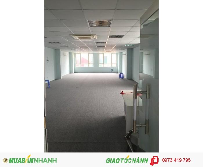 Nhà vị trí Nhà đẹp cách đường Lê Văn Lương 50m thích hợp cho Văn Phòng , nhà trẻ, lớp học hoặc các công ty.