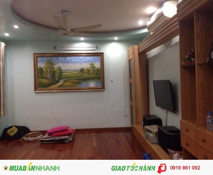 Bán nhà ngõ phố Dịch Vọng, gần CV Cầu Giấy DT 60 m2, MT 4.2 m, giá 5.5425 tỷ