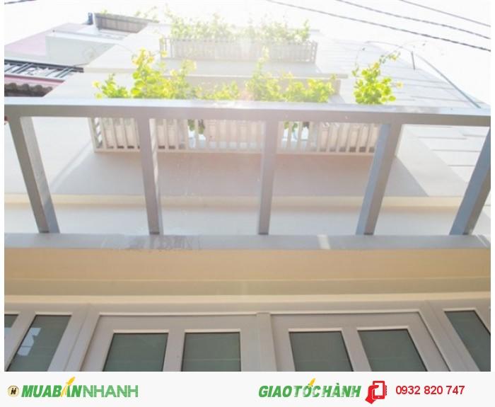 Bán nhà mới nội thất cao cấp hẻm 243A Hoàng Diệu, phường 8, quận 4