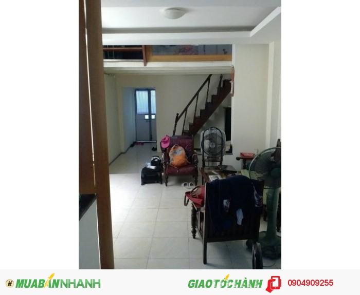 Bán nhà ở yên tĩnh quận Hoàn Kiếm, DT 44m2*3 tầng, MT 4m. Giá 7.3 tỷ.
