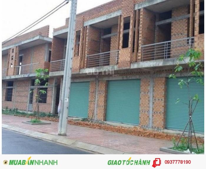Kẹt tiền cần bán gấp nhà 1 trệt, 1 lầu xây thô khu dân cư Bửu Long.