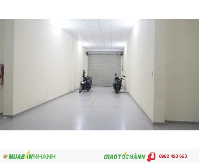 Cho thuê nhà Nhà mặt phố Đường Lê Thánh Tôn, P. Bến Thành, Quận 1. DT: 4x20m. DTSD: 320m2. Giá: 8.000 $ 4 tầng