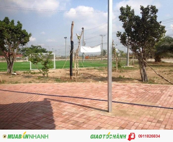 Lô góc đường Trần Văn Giàu 980tr 7x18 thổ cư 100% ngay đường vào KCN kinh doanh tốt