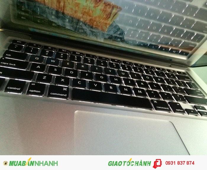 Macbook Pro MD313 |phím chiclet, đèn bàn phím cực đẹp.