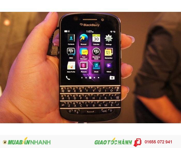 Điện thoại giá rẻ BlackBerry Q10 White (Bàn phím Thailand)0