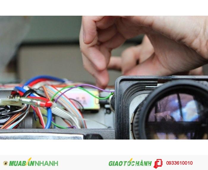 Nhận làm dịch vụ bảo trì, sửa chữa máy chiếu chuyên nghiệp