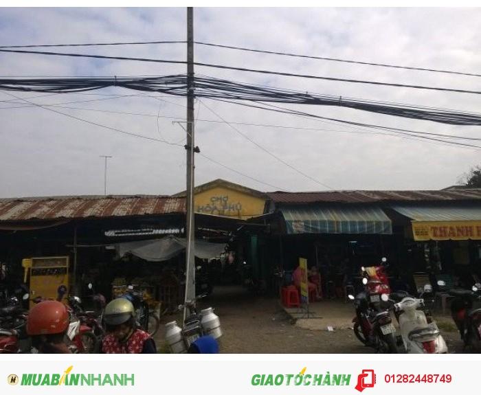 Nhà ngay chợ Hòa Phú 2 mặt tiền bên hông chợ