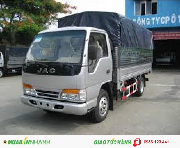 Bán xe tải JAC,2T4,chạy vào tp