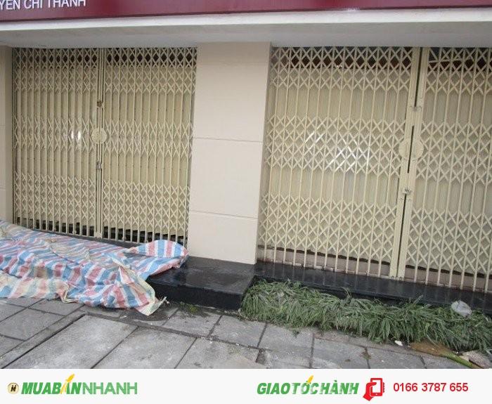 Cho thuê nhà mặt phố Nguyễn Chí Thanh 20m mặt tiền 5m giá thuê 32 triệu.
