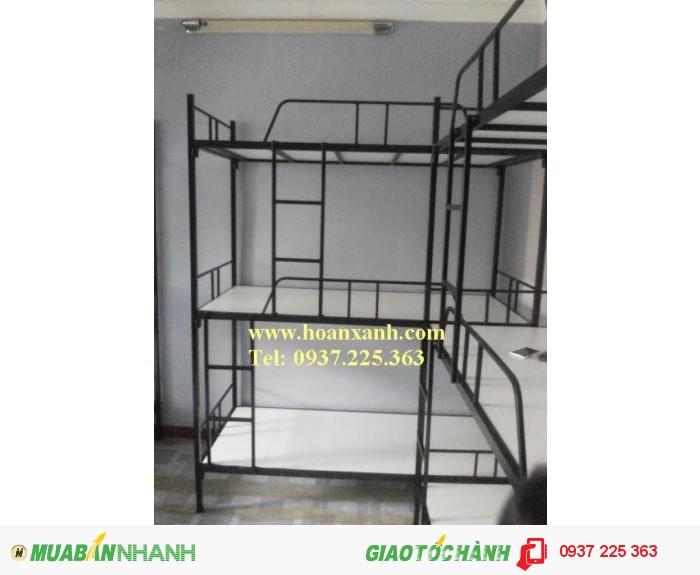 giường sắt 3 tầng0