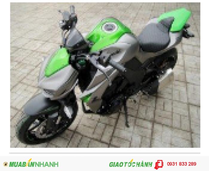 Bạn sẽ được các em nhìn đầy ngưỡng mộ khi lái Kawasaki Z1000 hoành tráng nha!