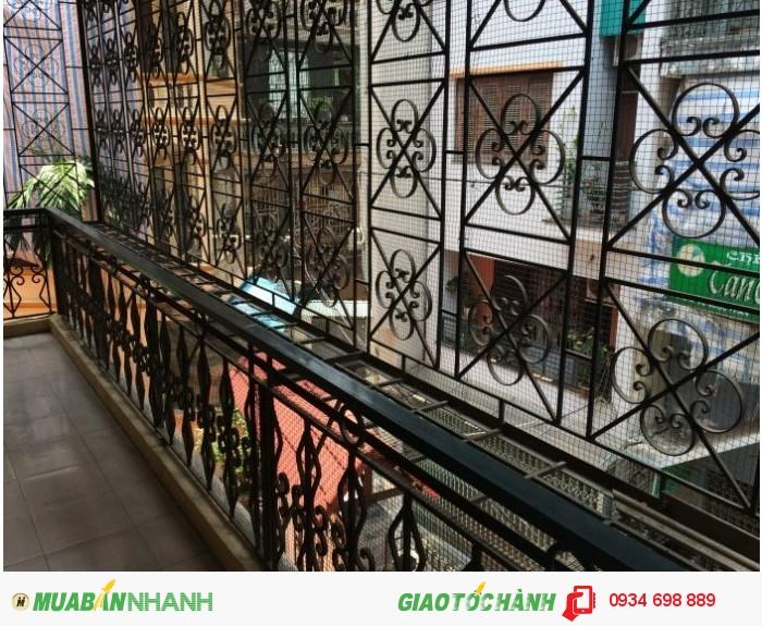 Bán nhà trong khu  tập thể view trường tiểu học Nam Thành Công,diện tích 85m2,giá 2.6 tỷ