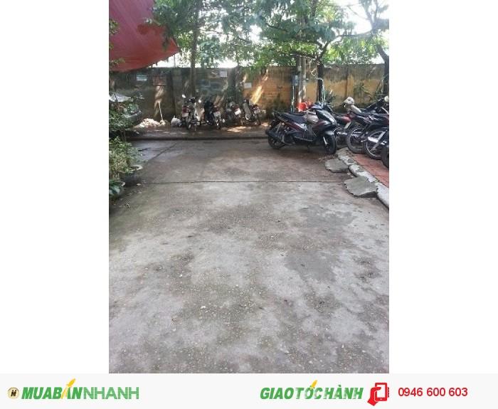 Cho thuê văn phòng,  ngõ 121 Chùa Láng, phân lô Ngoại Thương, 2 mặt thoáng,  chỗ để xe thoải mái, DT 55m2, 2 phòng.