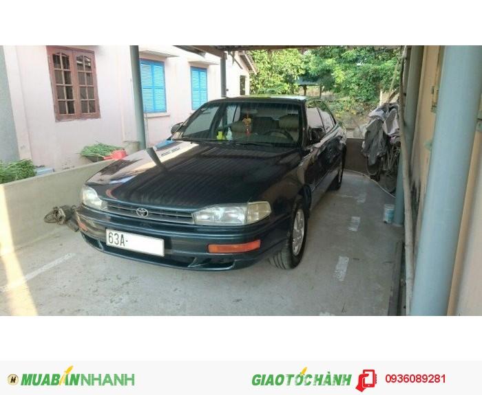Bán Toyota Camry 2.2 MT 1995 màu xanh nhớt nhập khẩu