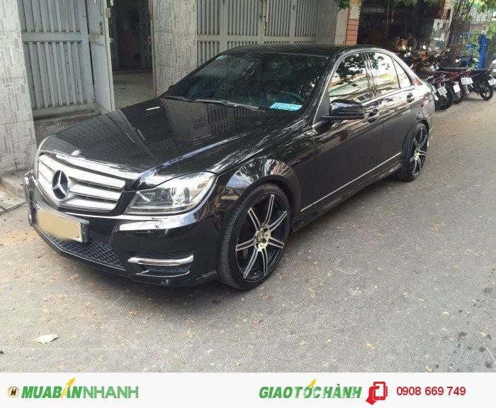 Mercedes-Benz C300 sản xuất năm 2012 Số tự động Động cơ Xăng