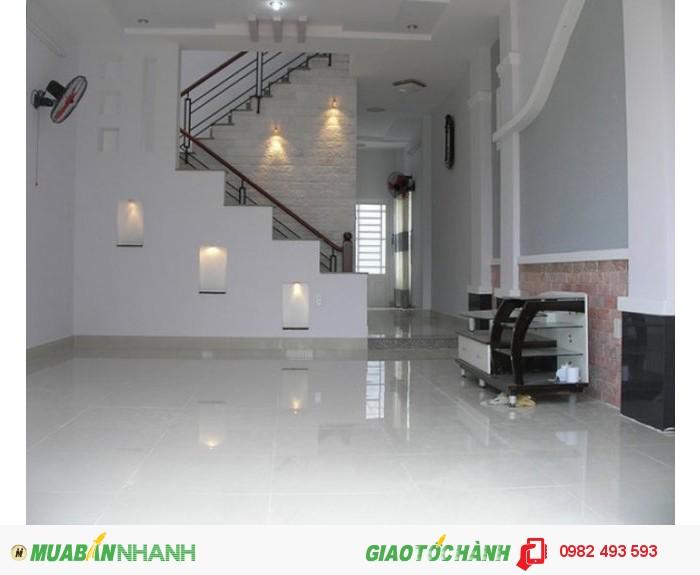 Cho thuê nhà mặt phố đường Ngô Quyền, P.Phường 11, Quận 5, DT: 5x25m, diện tích: 375m2, 3 lầu, giá: 70.000.000đ