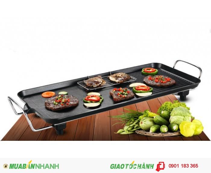 Mặt Vỉ nướng điện Electric Barbecue Plate được phủ lớp chống dính đã được kiểm định an toàn với sức khỏe người sử dụng, thức ăn sẽ được nướng một cách đẹp mắt.3