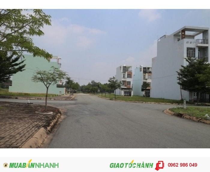 Bán Gấp!!! Đất thổ cư đối diện chợ, mt đường Trương Văn Bang,đường nhựa 20m