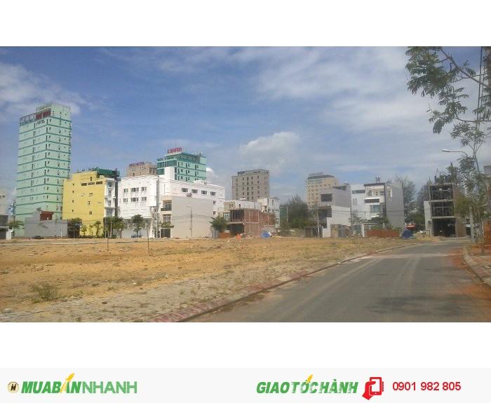 Bán lô đất 2 mặt tiền gần biển Phạm Văn Đồng