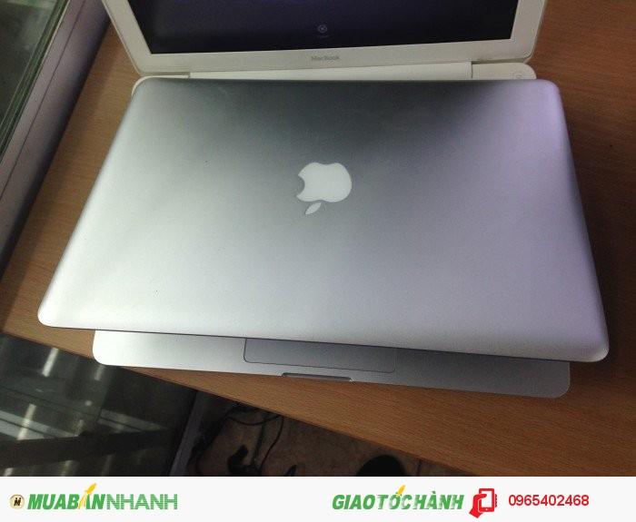 Macbook Pro MC374 | Màn Hình: 13.3 inch