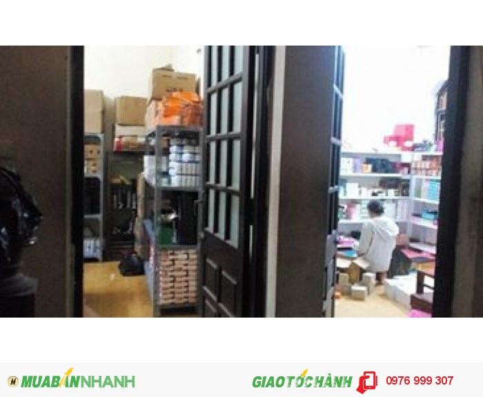 Cần bán gấp nhà Nguyễn Lương Bằng, Đống Đa, lô góc, chỉ hơn 50tr/m2