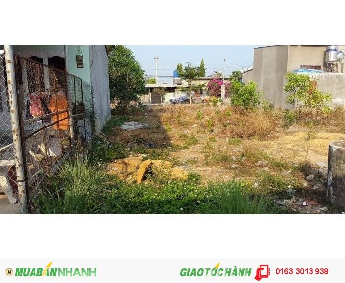 Kd phá sản sang gấp lô đất 900m2(30x30m) + nhà phố 1 trệt, 3 lầu giá chỉ 940 triệu