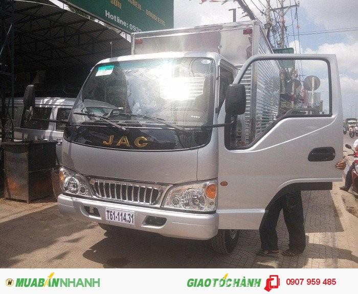 Bán xe tải Jac 2T4| jac 2.4 tấn- Bán xe trả góp chỉ với 80 triệu có ngay xe tải jac 2T4 vào thành phố.