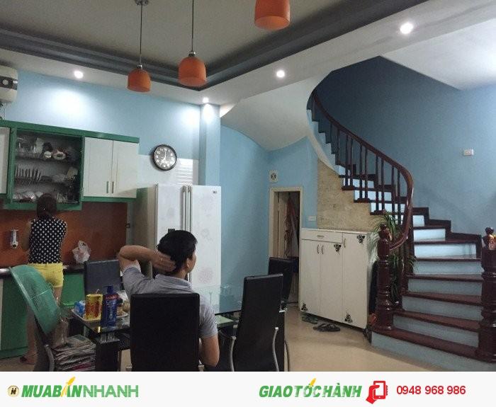 Bán nhà riêng tại Phố Võng Thị, Tây Hồ, Hà Nội diện tích 45m2x5tang đẹp oto vào nhà giá 5.5 Tỷ