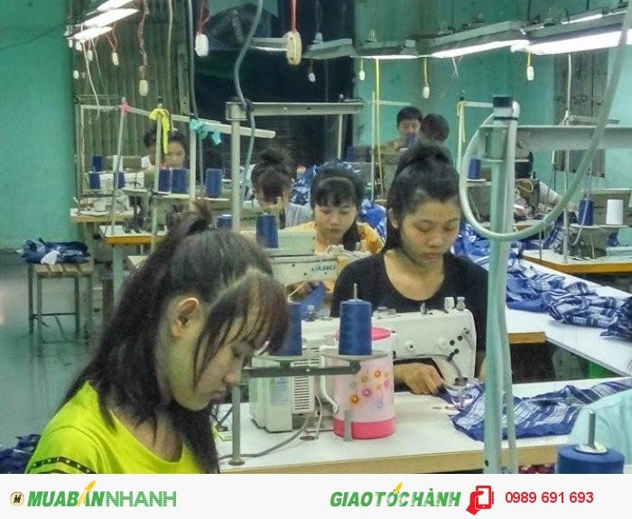 Từng phân đoạn may gia công được thực hiện tại Xưởng may gia công Trang Trần