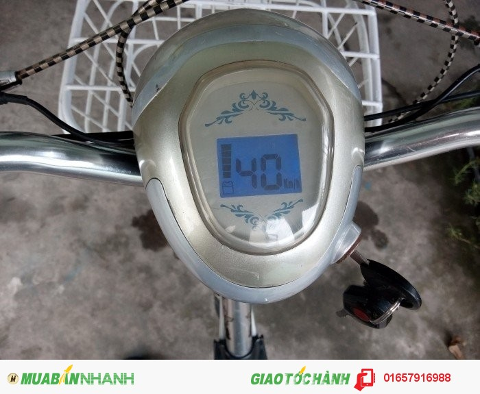 Bảng điều khiển (tốc độ tối đa là 40km/h)